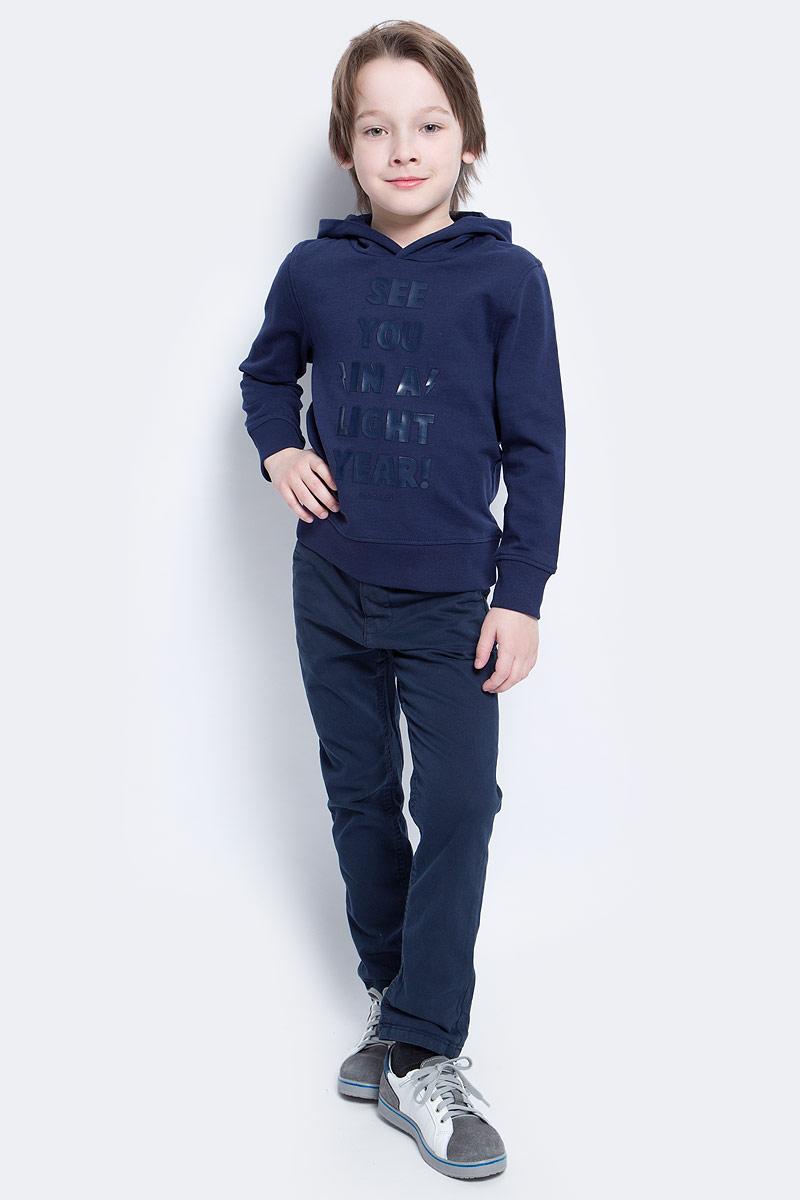Толстовка2530140.40.82_5516Толстовка для мальчика Tom Tailor выполнена из высококачественного материала. Модель с капюшоном и длинными рукавами оформлена оригинальной надписью. Манжеты рукавов и низ толстовки дополнены резинками.