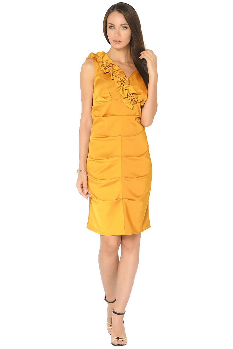 Платье Milton, цвет: желтый. WD-2519F. Размер 48WD-2519FНарядное платье прилегающего силуэта без рукавов, по переду в центральном шве заложены складки. Вырез горловины украшен декративными элементами в виде цветов.
