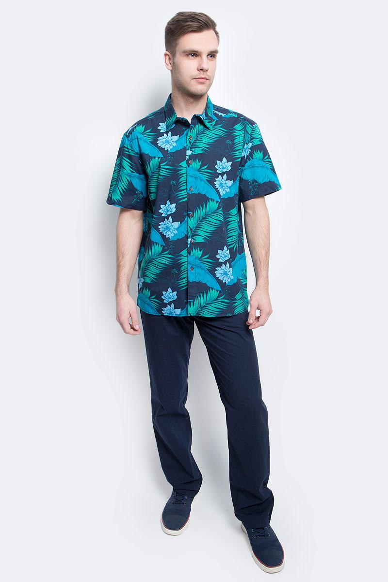 Рубашка мужская Finn Flare, цвет: темно-синий. S17-24014_101. Размер L (50)S17-24014_101Рубашка мужская Finn Flare выполнена из натурального хлопка. Модель с отложным воротником и короткими рукавами застегивается на пуговицы.