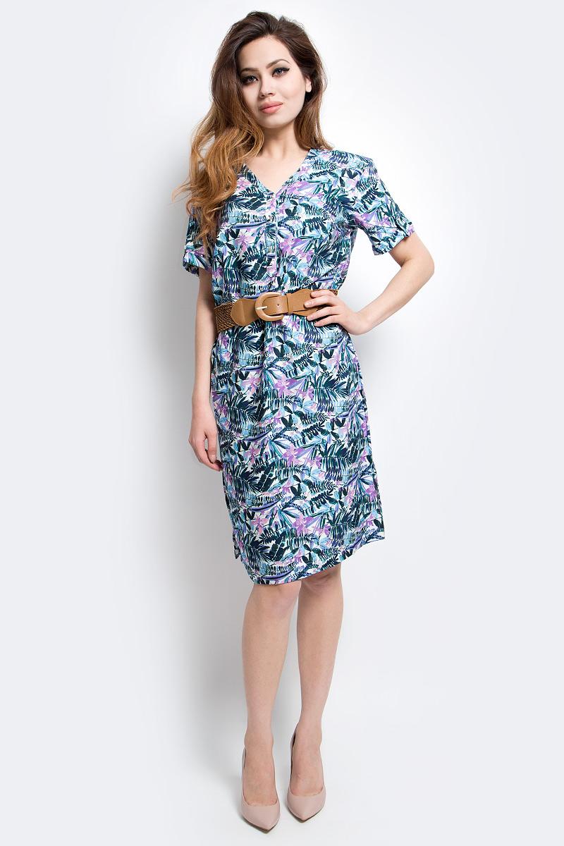 Платье Finn Flare, цвет: голубой. S17-12005_138. Размер L (48)S17-12005_138Платье Finn Flare выполнено из вискозы. Модель с V-образным вырезом горловины и короткими рукавами.