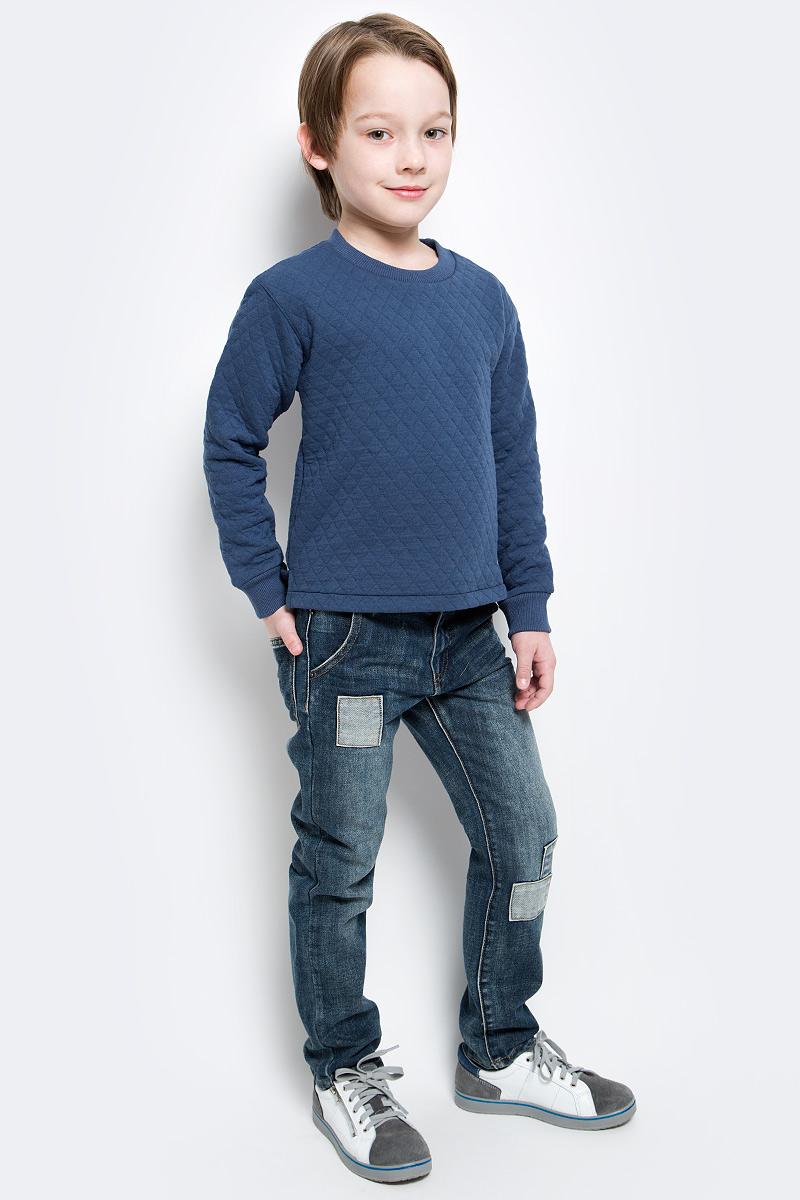 Свитшот117BBBC16050300Детский свитшот - хит прогулочного и домашнего гардероба. Модная, удобная, практичная модель для мальчика - отличная вещь на каждый день. Свитшот от Button Blue с ярко выраженной фактурой, имитирующей модную стежку, гарантирует прекрасный внешний вид, комфорт и свободу движений.
