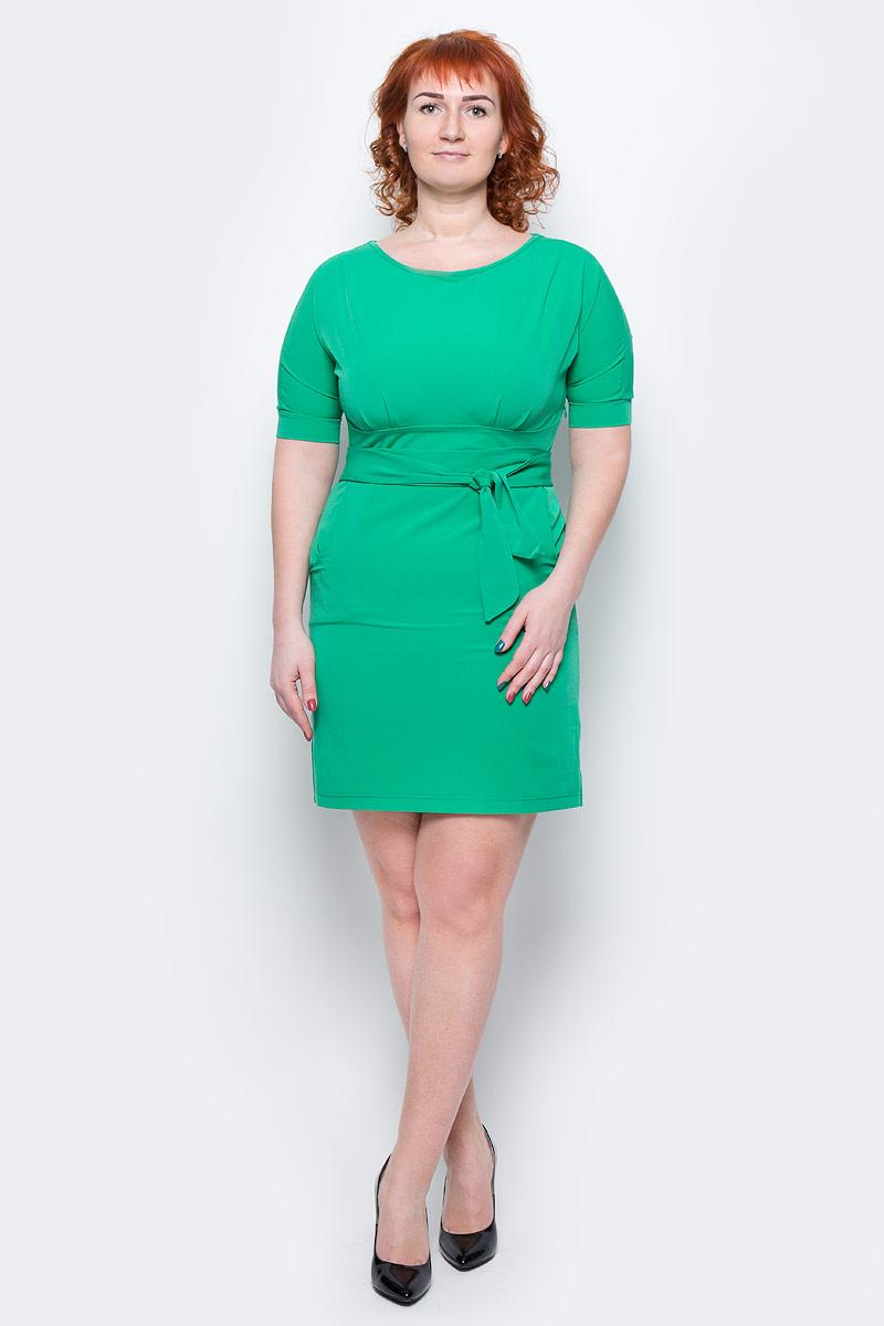 Платье Milton, цвет: зеленый. WD-2455F. Размер 54WD-2455FПлатье полуприлегающего силуэта, отрезное по линии талии, с подкройным поясом, с цельнокроенными рукавами. На лифе и юбке платья от пояса заложены складки.