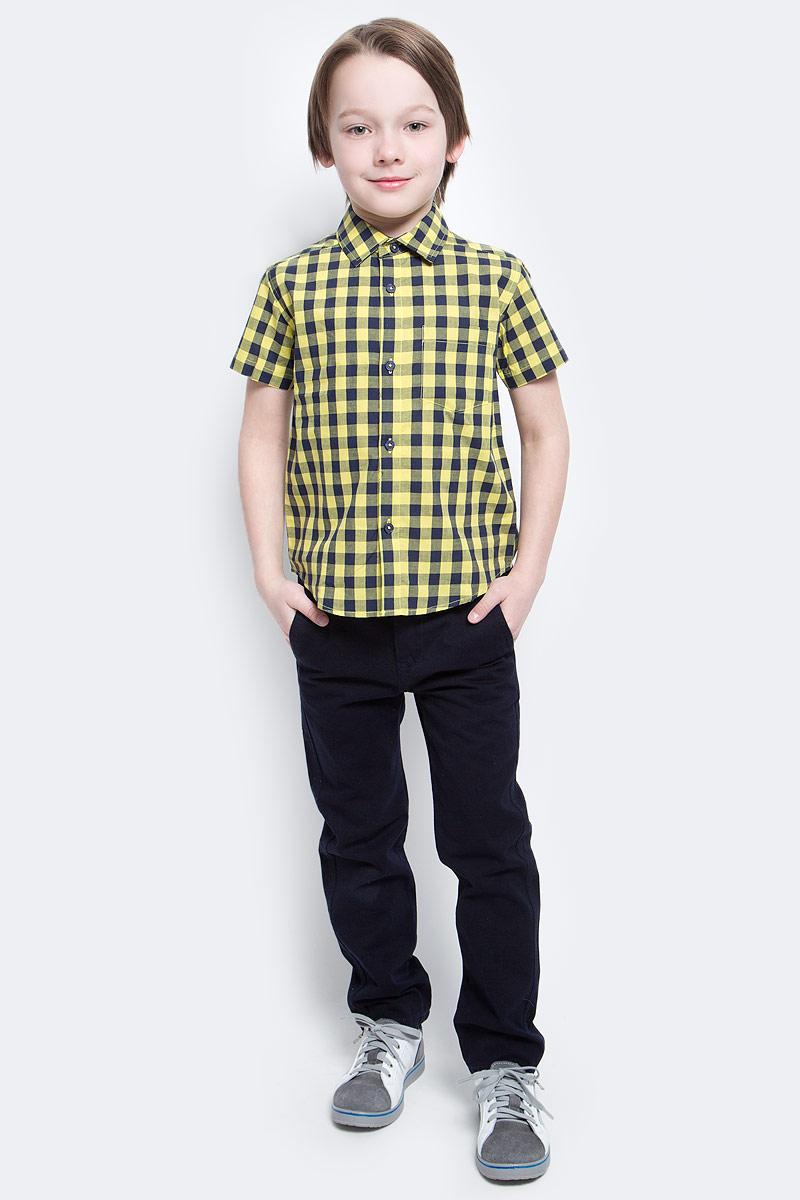 Рубашка для мальчика PlayToday, цвет: желтый, синий. 171104. Размер 110171104Рубашка для мальчика PlayToday с коротким рукавом для мальчика в стиле кантри. Практична и очень удобна для повседневной носки. Ткань мягкая и приятная на ощупь, не раздражает нежную детскую кожу. Стиль отвечает всем последним тенденциям детской моды. Рубашка с отложным воротничком и накладным карманом.
