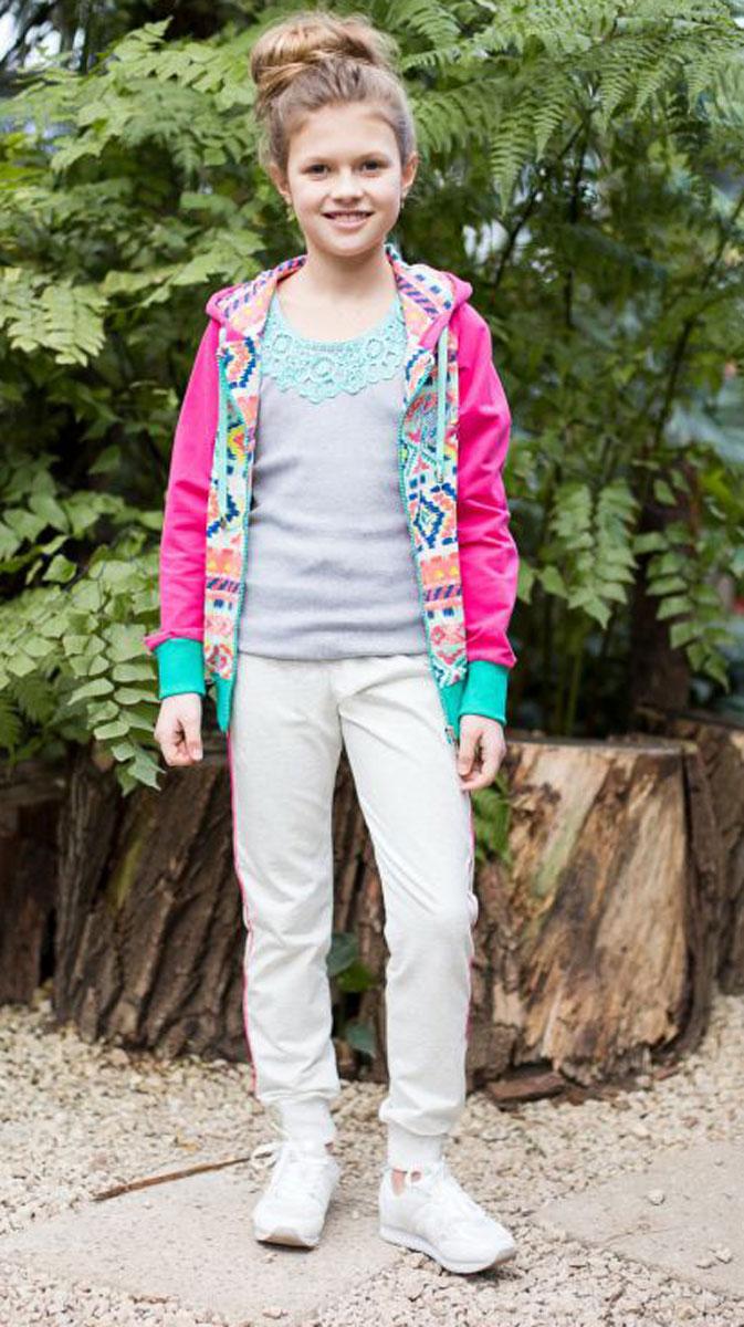 Спортивный костюм для девочки Luminoso, цвет: серый меланж, мультиколор. 718022. Размер 158718022Комбинированный костюм из мягкого футера. Куртка с рукавами-реглан застегивается на молнию и декорирована оригинальным этническим принтом. Брюки спортивного стиля с зауженным низом собраны на мягкую резинку. Пояс-резинка дополнен шнуром для регулирования объема.