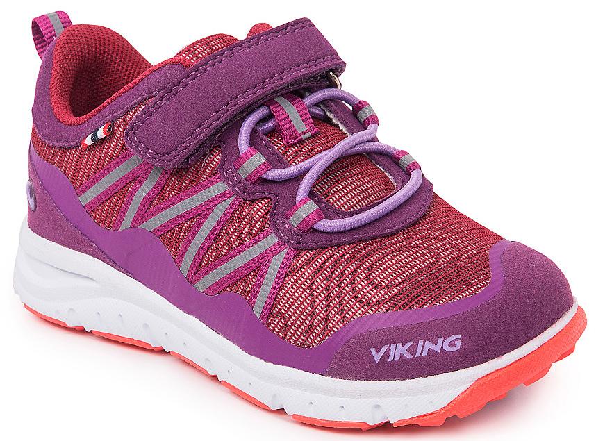 Кроссовки для девочки Viking Holmen, цвет: фиолетовый, сиреневый. 3-47630-06239. Размер 223-47630-06239Кроссовки от Viking, выполненные из полиэстера, оформлены декоративной тесьмой с прострочкой, эмблемой и названием бренда. Модель на подъеме дополнена эластичной шнуровкой и застежкой-липучкой, которые обеспечивают надежную фиксацию обуви на ноге. Ярлычок на заднике облегчает обувание модели. Подкладка и стелька из полиэстера обеспечат комфорт при носке. Облегченная подошва из вспененного полимера оснащена рифлением, что повышает сцепление с любым покрытием, улучшает амортизацию и поглощает удары. Яркие модные кроссовки - незаменимая вещь в гардеробе вашего ребенка.