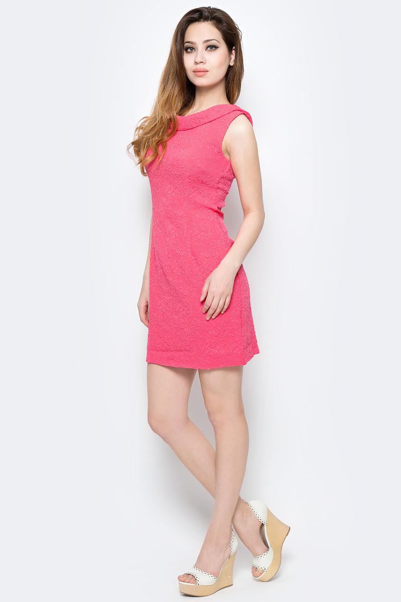 ПлатьеWD-2485FПлатье прилегающего силуэта,без рукавов, с круглым воротником.
