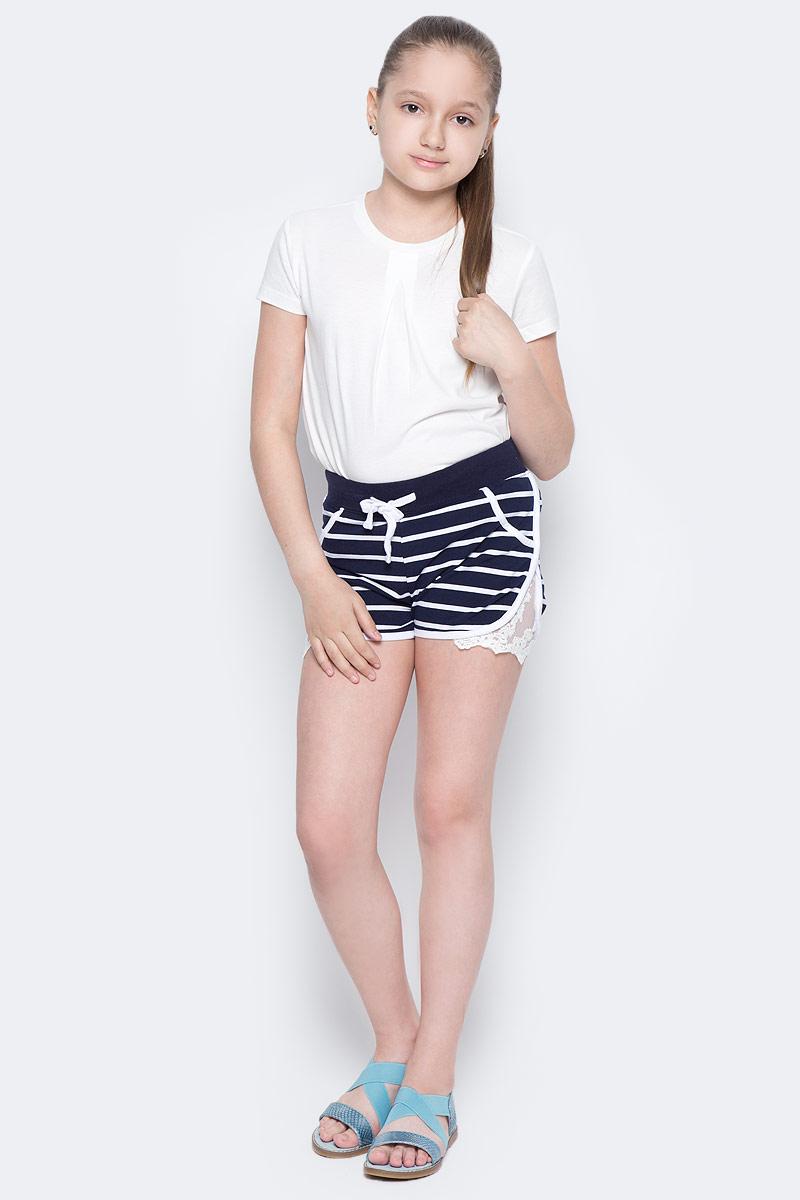 Шорты для девочки Luminoso, цвет: синий, белый. 718106. Размер 146718106Мягкие трикотажные шорты в полоску. Боковые швы декорированы оригинальным кружевным плетением. Пояс-резинка дополнен шнуром для регулирования объема.