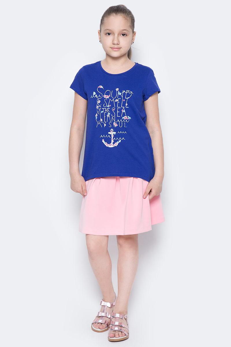 Футболка для девочки Sela, цвет: сине-фиолетовый. Ts-611/981-7233. Размер 128, 8 летTs-611/981-7233Стильная футболка с удлиненной спинкой Sela станет отличным дополнением к гардеробу юной модницы. Модель прямого кроя изготовлена из натурального хлопка и оформлена оригинальным принтом. Воротник дополнен мягкой эластичной бейкой.
