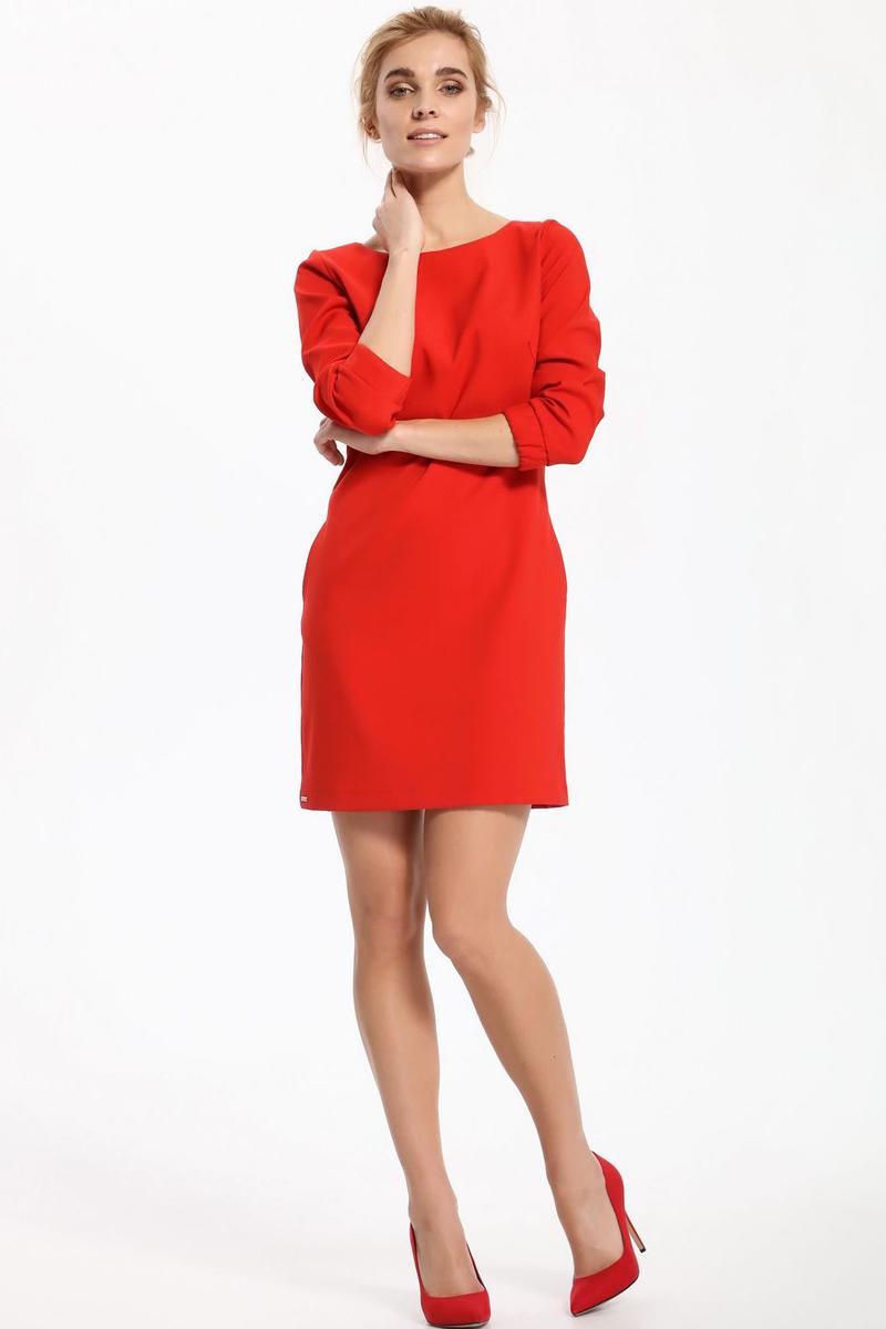 ПлатьеSSU1850CEПлатье Top Secret выполнено из полиэстера. Модель с круглым вырезом горловины сзади застегивается на пуговицы.