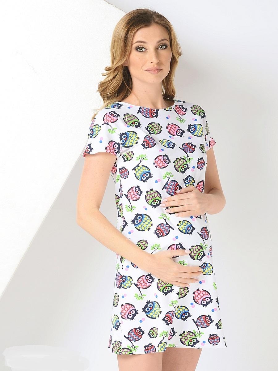 Платье для беременных 40 недель, цвет: белый. 300302/1. Размер 48300302/1сСтильное платье для беременных от бренда 40 недель - прекрасный вариант на лето. Модель трапециевидного кроя с коротким рукавом-реглан и вырезом лодочка. Платье выполнено из трикотажного материала. Правильный крой платья не стесняет свободу движений, мягкая ткань приятная к телу, лаконичный фасон и дизайнерский принт подчеркнет ваш уникальный стиль. Это платье вы с удовольствием будете носить и после рождения малыша.