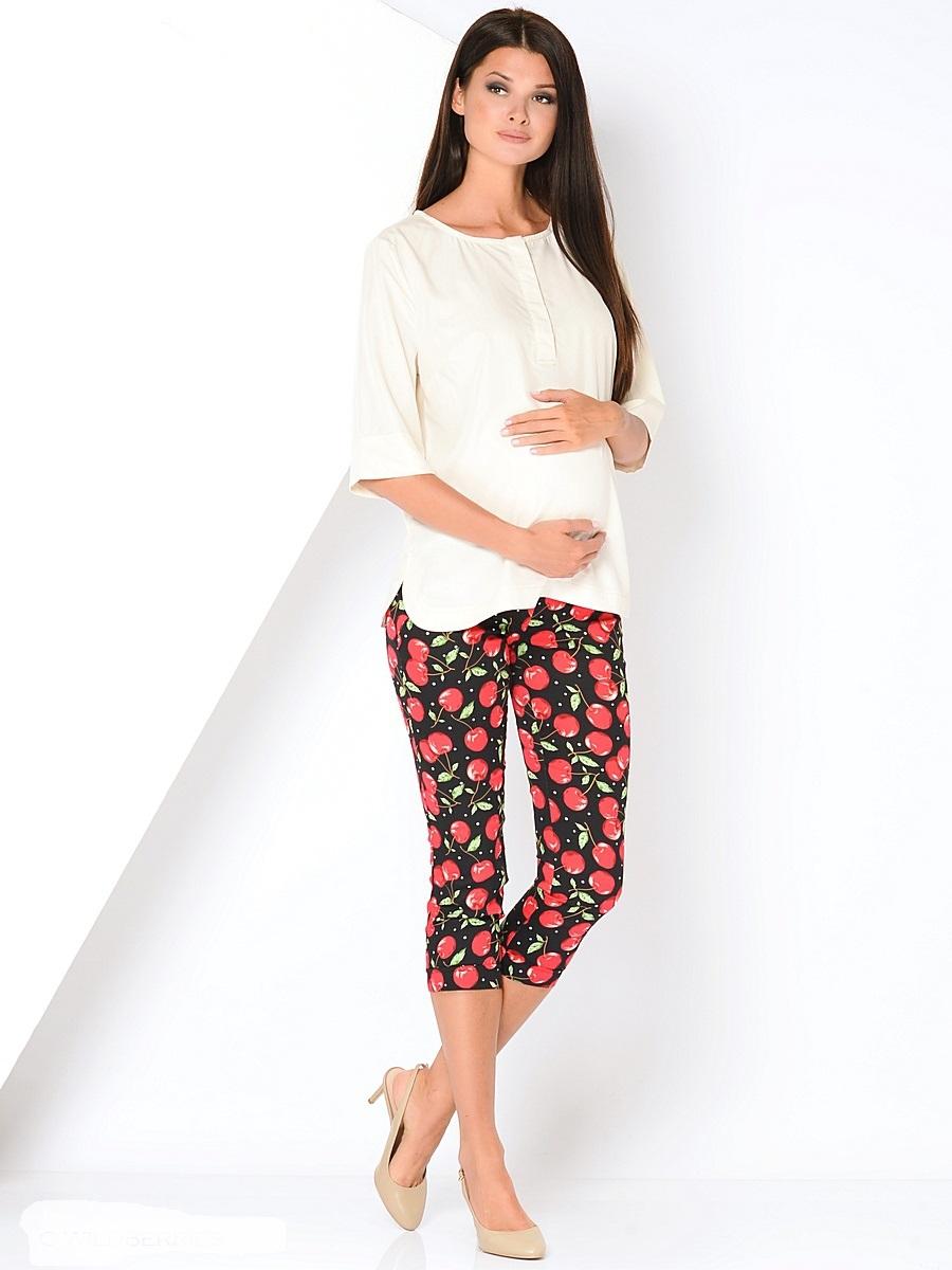 Бриджи/капри101197Модные бриджи для беременных, прямого силуэта из принтованной ткани, на широкой резинке, под живот. Бриджи имеют два задних накладных кармана, декоративные от строчки спереди в районе карманов и у основания брючины. Благодаря правильному крою, и отличному составу ткани, они идеально садятся по фигуре и очень удобны, колоритная цветовая гамма расцветки позволит сочетать бриджи в разнообразных комбинациях одежды, во время беременности и в обычной, повседневной жизни.