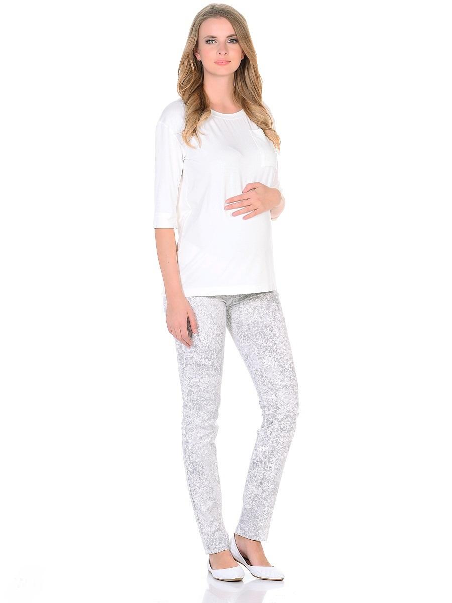 Брюки102200Стильные брюки для беременных зауженного покроя, с низкой посадкой под живот, с широким эластичным поясом. Модель в приятной современной расцветке с накладными задними карманами. Благодаря оптимальному содержанию эластана в составе, брюки обеспечивают отличную посадку по фигуре, не сковывают движений, подходят для всех женщин, в период беременности и после рождения малыша. Универсальный фасон позволяет сочетать такие брюки с одеждой любого стиля от классического до непринужденного casual.