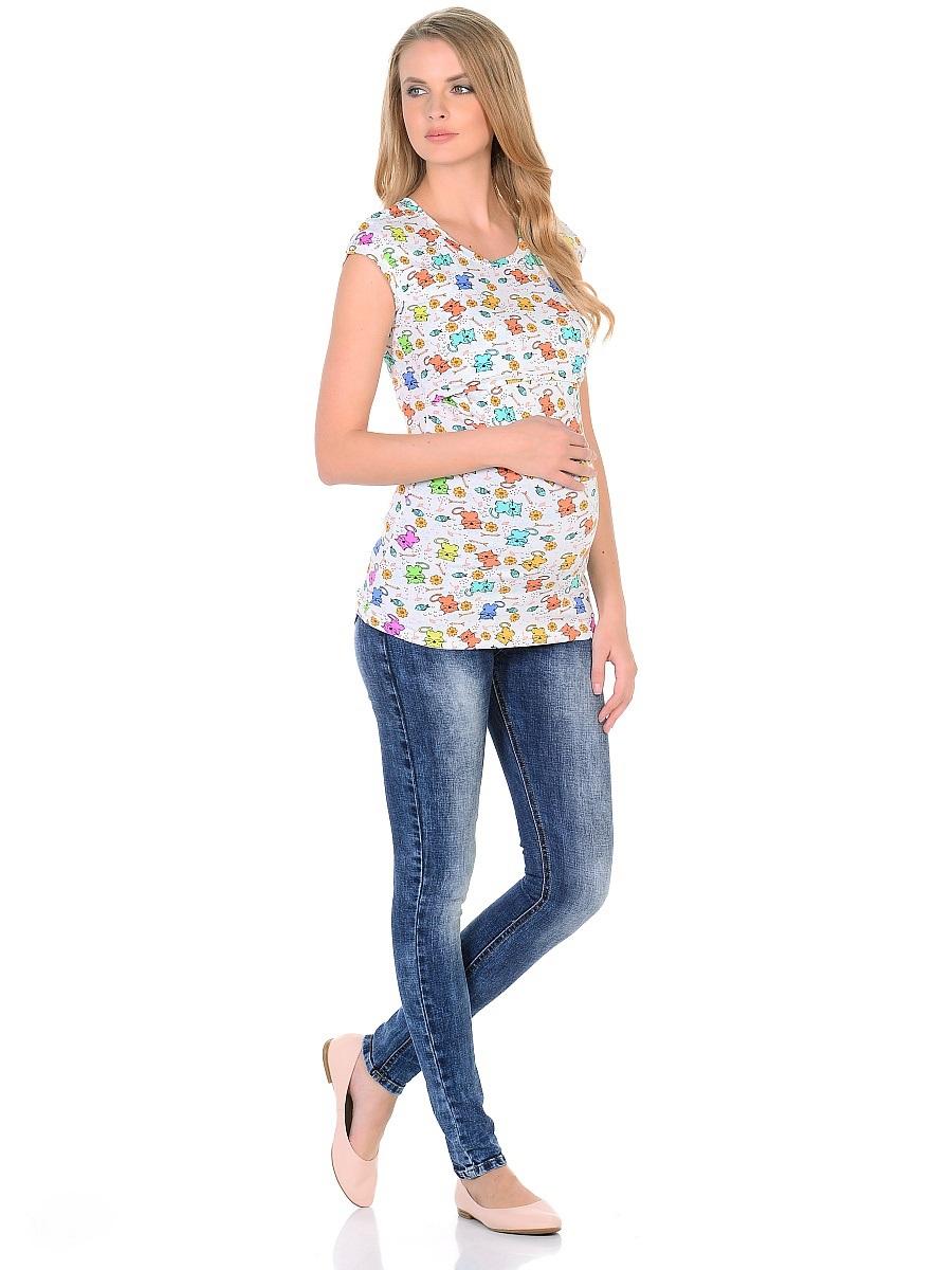 Джинсы103171Джинсы для беременных зауженного кроя, с высокой посадкой по талии. Имеют трикотажную кокетку с регулируемой резиночкой в поясе, что позволяет носить такие джинсы с комфортом, на любом сроке беременности и после рождения малыша. Передние и задние накладные карманы дополнены для практичности специальными заклепками в уголках, которые спасают джинсы от распарывания по шву. На заднем кармане декоративный элемент. Вертикальные потертости визуально вытягивают, делая ноги стройнее. Благодаря оптимальному содержанию эластана, джинсы отлично садятся на любую фигуру, не сковывают движений, хорошо держат форму. Джинсы универсальны в своем применении, они комбинируются со многими предметами гардероба, в джинсах образ выглядит стильно, современно и безупречно в любой ситуации.