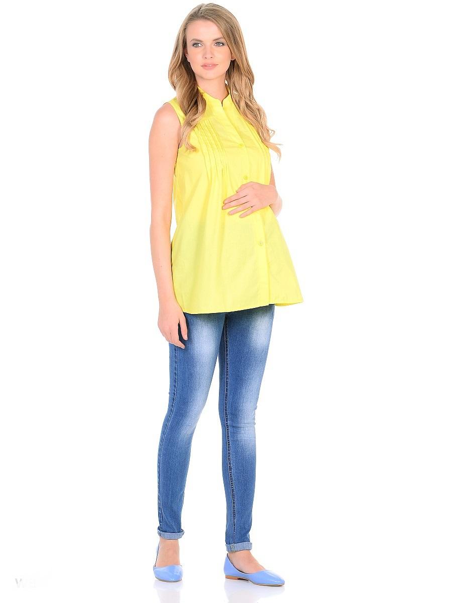 Джинсы для беременных 40 недель, цвет: голубой. 103185. Размер 44103185Джинсы для беременных от бренда 40 недель - прекрасный выбор для будущей мамы на каждый день. Модель зауженного кроя, с высокой посадкой по талии. Джинсы имеют трикотажную кокетку с регулируемой резинкой в поясе, что позволяет носить их с комфортом на любом сроке беременности и после рождения малыша. Передние и задние накладные карманы дополнены для практичности специальными заклепками в уголках, которые спасают джинсы от распарывания по шву. На переднем и заднем карманах - металлические декоративные элементы. Вертикальные потертости визуально вытягивают, делая ноги стройнее. Благодаря оптимальному содержанию эластана, джинсы отлично садятся на любую фигуру, не сковывают движений, хорошо держат форму. Джинсы универсальны в своем применении, они комбинируются со многими предметами гардероба, в них образ выглядит стильно, современно и безупречно в любой ситуации.
