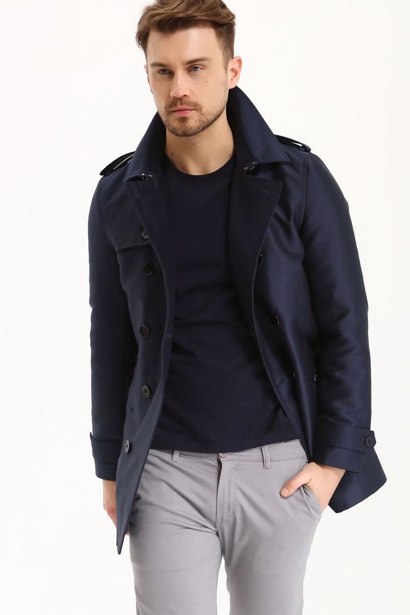 Пальто мужское Top Secret, цвет: темно-синий. SPZ0381GR. Размер L (50)SPZ0381GRМужские пальто Top Secret выполнено из высококачественного комбинированного материала. Модель с воротником с лацканами и длинными рукавами застегивается на пуговицы. Низ рукавов оформлен пуговицами.