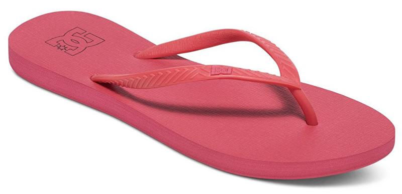 Сланцы женские DC Shoes Spray, цвет: малиновый. ADJL100014-DRT. Размер 8B (39)ADJL100014-DRTЖенские сланцы от DC Shoes не оставят вас равнодушной! Эргономичная перемычка между пальцами отвечает за прочную фиксацию модели на стопе. Основание подошвы дополнено рифлением.