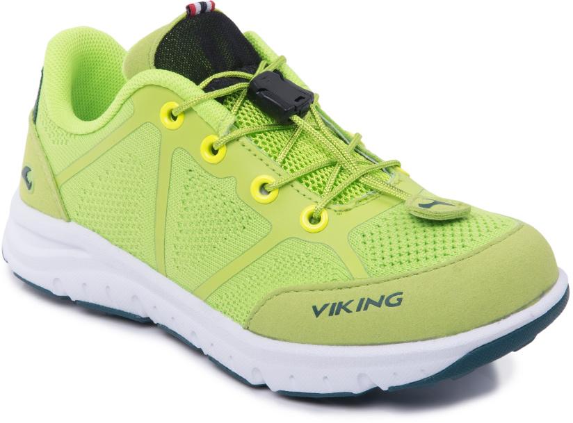 Кроссовки детские Viking Ullevaal, цвет: салатовый. 3-47660-08864. Размер 313-47660-08864Кроссовки от Viking, выполненные из полиэстера, оформлены эмблемой и названием бренда. Модель на подъеме дополнена шнуровкой со стоппером, которая обеспечивает надежную фиксацию обуви на ноге. Подкладка и стелька из полиэстера создают комфорт при носке. Облегченная подошва из ЭВА оснащена рифлением, что повышает сцепление с любым покрытием, улучшает амортизацию и поглощает удары. Яркие модные кроссовки - незаменимая вещь в гардеробе вашего ребенка.