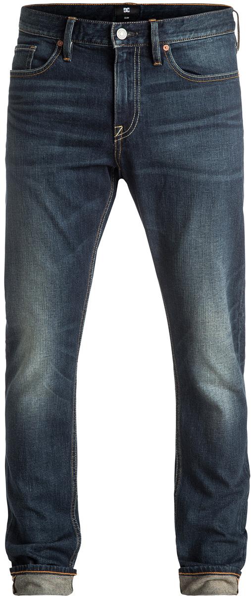 Джинсы мужские DC Shoes, цвет: синий. EDYDP03284-BNTW. Размер 31 (46/48)EDYDP03284-BNTWМужские джинсы DC Shoes изготовлены из эластичного денима средней плотности (406,8 г/кв. м). Модель имеет узкий и уютный, но не плотно облегающий крой. Застегивается на молнию и пуговицу в поясе. Модель имеет кокетку наоборот и стандартный пятикарманный крой: два вшитых кармана и один маленький накладной кармашек спереди, а также два накладных кармана сзади. Пояс оснащен шлевками для ремня, сзади имеется полиуретановая нашивка с перфорацией. В районе коленей и ширинки предусмотрены строчки-закрепки.