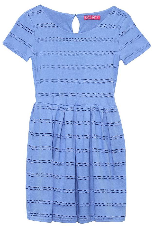 Платье для девочки Sela, цвет: индиго. Dks-617/433-7233. Размер 146Dks-617/433-7233Стильное платье для девочки Sela выполнено из качественного двухслойного трикотажа с перфорированным верхним слоем. Модель приталенного кроя с расклешенной юбкой и короткими рукавами застегивается сзади на пуговицу. Мягкая ткань комфортна и приятна на ощупь.Платье подойдет для прогулок и дружеских встреч и станет отличным дополнением гардероба юной модницы.