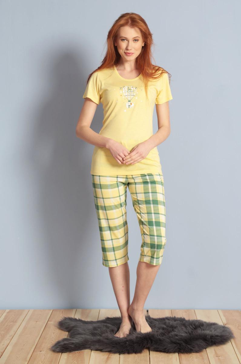 Домашний комплект женский Kezokino, цвет: желтый. 609106 1245. Размер XL (50)609106 1245Красивый комплект, выполненный из 100% вискозы, состоит из футболки и капри приятной расцветки. Отличный вариант для дома и отдыха на каждый день.