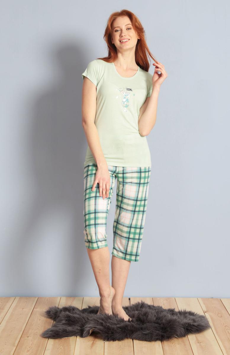 Домашний комплект женский Kezokino, цвет: ментоловый. 609094 1170. Размер S (44)609094 1170Красивый комплект, выполненный из 100% вискозы, состоит из футболки и капри приятной расцветки. Отличный вариант для дома и отдыха на каждый день.