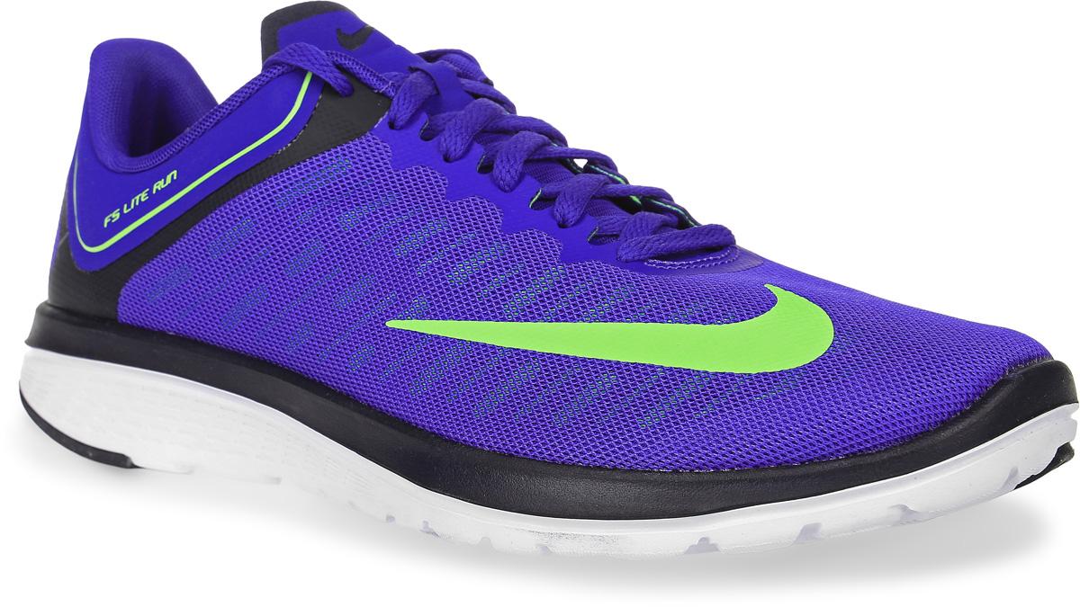Кроссовки для бега мужские Nike Fs Lite Run 4, цвет: синий. 852435-400. Размер 9,5 (43)852435-400Модные мужские кроссовки для бега Fs Lite Run 4 от Nike, выполненные из текстиля, дополнены бесшовными накладками. Подкладка из текстиля обеспечивает комфорт. Стелька FitSole способствует удобной посадке, обеспечивает амортизацию и поддержку стопы во время тренировки. Шнуровка надежно зафиксирует модель на ноге. Подошва дополнена рифлением.