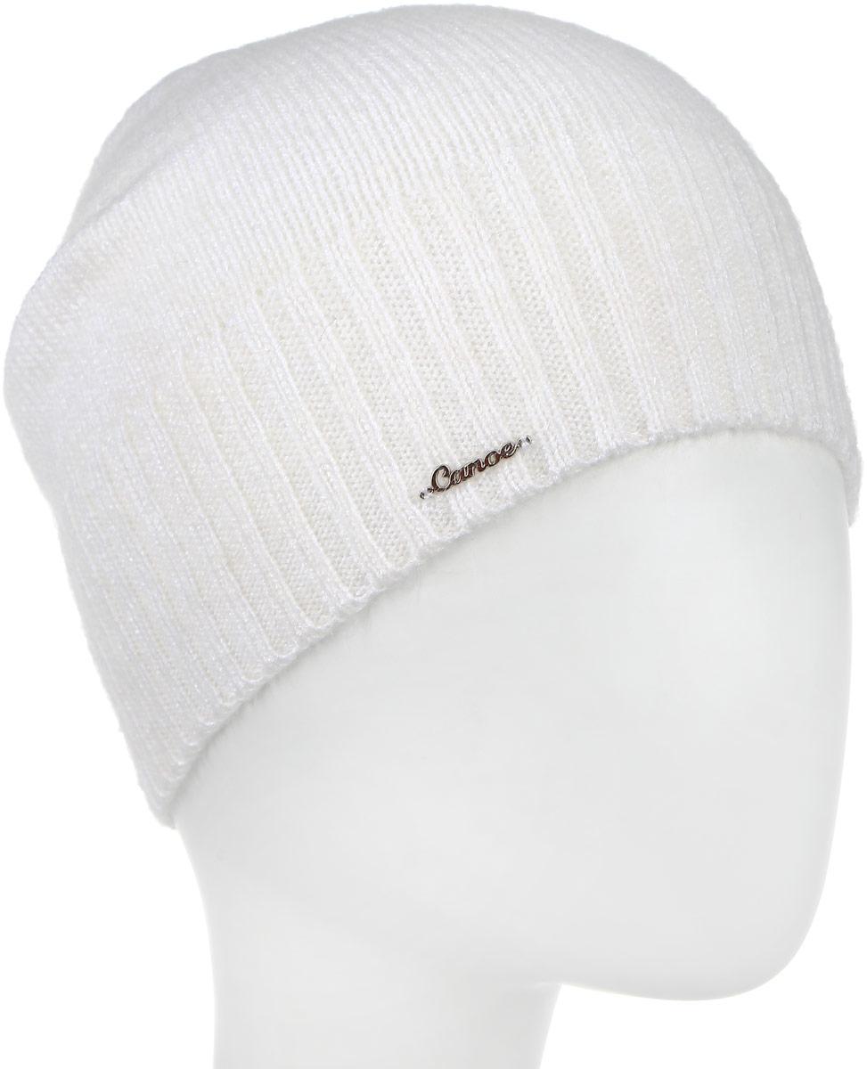 Шапка женская Canoe Lina, цвет: белый. 3446680. Размер 56/583446680Стильная женская шапка Canoe Lina идеально подойдет для прогулок и занятия спортом в прохладное время года. Удлиненная шапка мелкой вязки выполнена из высококачественной вискозной пряжи с добавлением итальянского суперкид мохера, что обеспечивает невероятную легкость и мягкость, а также позволяет шапке надежно сохранять тепло. Низ шапки связан резинкой, что обеспечивает эластичность и удобную посадку. Шапка оформлена металлическим лейблом с логотипом производителя.Такая шапка станет модным и стильным дополнением вашего зимнего гардероба. Она согреет вас и позволит подчеркнуть свою индивидуальность!