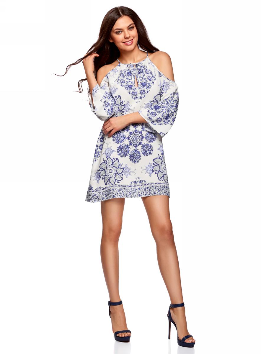 Платье oodji Ultra, цвет: белый, синий. 11900224/42800/1275E. Размер 38/170 (44-170)11900224/42800/1275EПлатье принтованное с разрезами на плечах