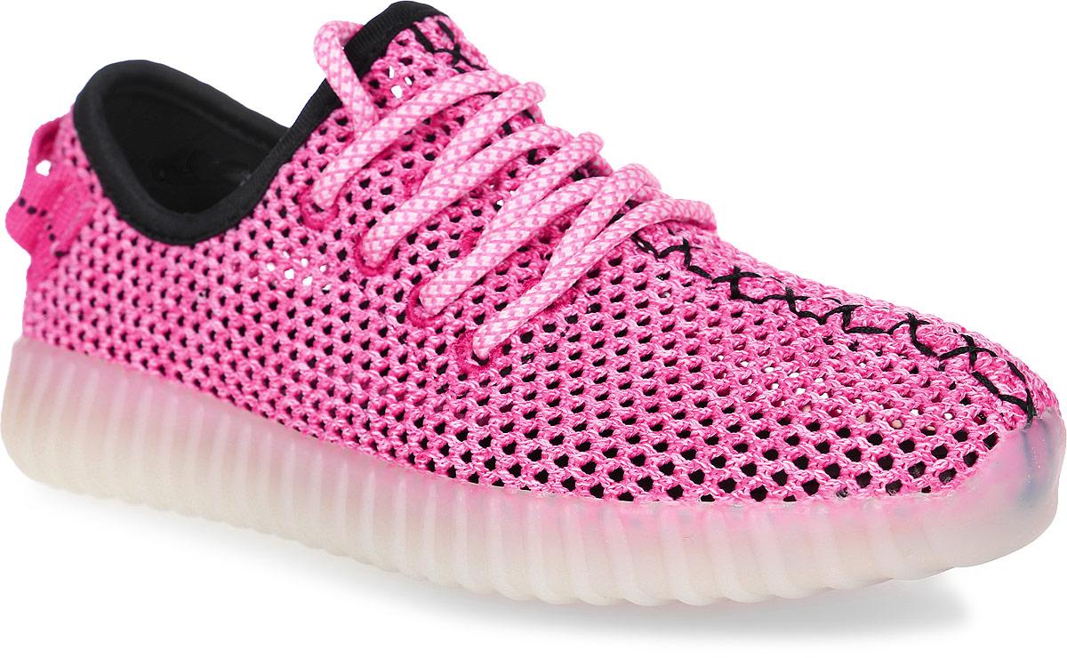 Кроссовки для девочек Patrol, цвет: розовый. 723-232T-17s-8-17. Размер 36723-232T-17s-8-17Стильные кроссовки от Patrol - отличный выбор для вашей юной модницы на лето. Верх модели выполнен из текстиля с перфорацией для воздухообмена.Классическая шнуровка на подъеме обеспечивает надежную фиксацию обуви на ноге. На заднике предусмотрена текстильная петелька для удобства обувания. Подкладка и стелька из текстильного материала создают комфорт при носке. Подошва выполнена из легкого ТЭП-материала.Рифление на подошве обеспечивает отличное сцепление с любой поверхностью.Модные и комфортные кроссовки - необходимая вещь в гардеробе каждого ребенка.