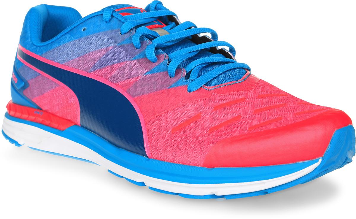Кроссовки мужские для бега Puma Speed 300 Ignite, цвет: розовый, голубой. 18811409. Размер 9,5 (43)18811409Стильные мужские кроссовки Speed 300 Ignite от Puma, обладающие отличными амортизирующими свойствами, подарят вам ощущение комфорта. Невероятно легкая модель выполнена из воздухопроницаемого текстиля с синтетическими накладками. Подкладка выполнена из текстиля.Стелька выполнена из ЭВА с текстильной поверхностью. Рифленая подошва из амортизирующей полиуретановой пены обеспечивает максимальное сцепление с поверхностью. Расположенная по центру шнуровка в сочетании с удобной колодкой обеспечивают плотное прилегание к ноге. Плавный 8-миллиметровый переход с пятки на носок обеспечивает оптимальный наклон стопы при беге и легкость движений. Возврат энергии генерирует двухслойная промежуточная подошва, включающая в себя амортизирующий материал нового поколения Ignite, равномерно распределяющий беговые нагрузки и обеспечивающий упругость. Модель дополнена отражающими деталями для видимости и безопасности.Созданные для результатов, эти кроссовки для бега и тренировок позволят вам чувствовать себя легким и быстрым.