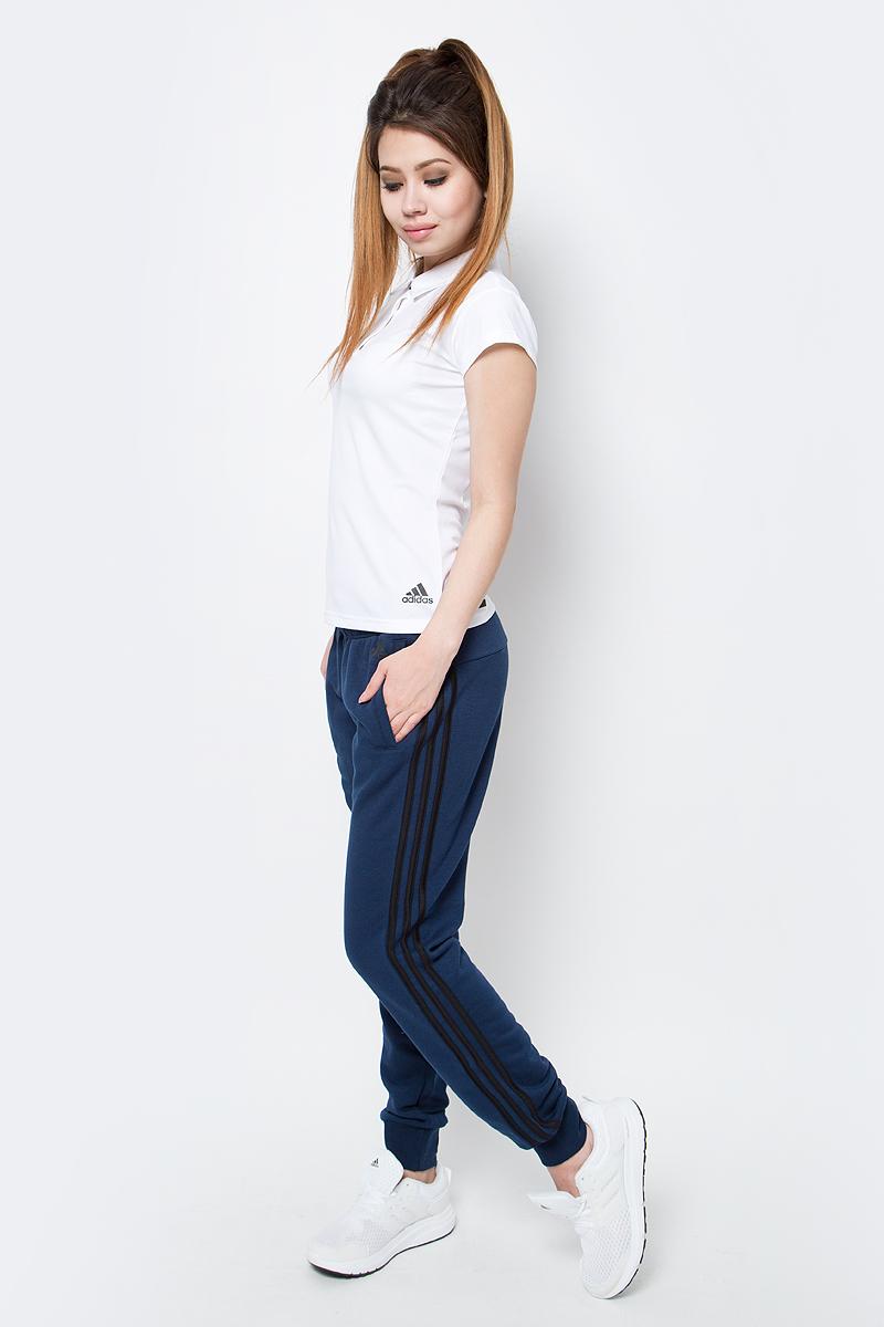 Брюки спортивные женские adidas Ess 3S Pant Ch, цвет: темно-синий. S97110. Размер S (42/44)S97110Брюки спортивные женские adidas Ess 3S Pant Ch выполнены из хлопка с добавлением полиэстера. Женские брюки, в которых комфортно в течение всего дня. Рифленые манжеты и пояс на завязках обеспечивают удобную посадку. Облегающий крой в современном стиле. Культовые три полоски по бокам создают актуальный образ.