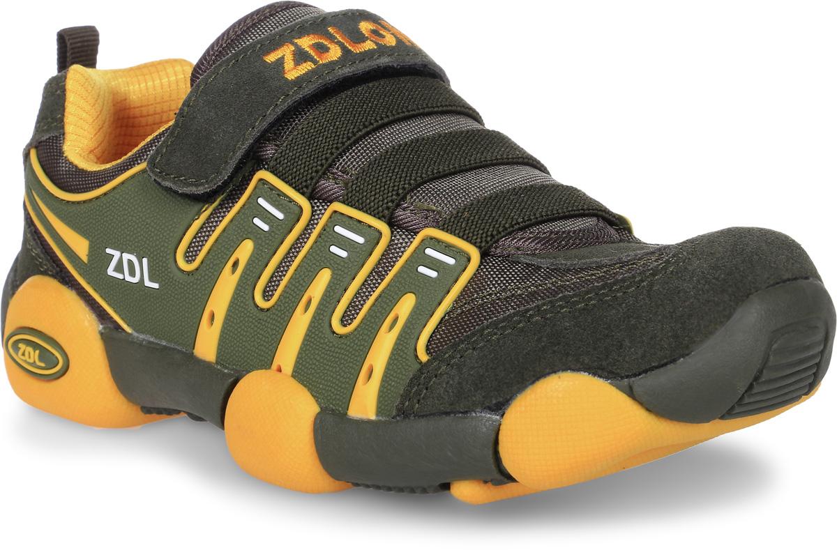 Кроссовки для мальчика Buddy Dog, цвет: хаки, желтый. 7777. Размер 337777Кроссовки Buddy Dog, выполненные из текстиля с элементами из искусственной кожи ворсистой текстуры, оформлены фирменной вышивкой с надписью. На ноге модель фиксируется с помощью шнурков и эластичных резинок.Внутренняя поверхность и стелька выполнены из текстиля, комфортного при движении. Подошва изготовлена из прочного и гибкого полимера.Поверхность подошвы дополнена рельефным рисунком.