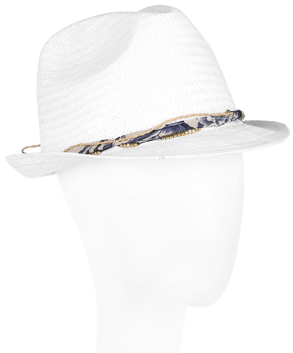 Шляпа женская Canoe Mimi, цвет: белый. 1964480. Размер 561964480Женская шляпа-федора Canoe Mimi непременно украсит любой наряд.Шляпа из искусственной соломы вокруг тульи оформлена интересным переплетением. Благодаря своей форме, шляпа удобно садится по голове и подойдет к любому стилю. Плетение шляпы позволяет ей пропускать воздух, что обеспечивает необходимую вентиляцию.Такая шляпа подчеркнет вашу неповторимость и дополнит ваш повседневный образ.