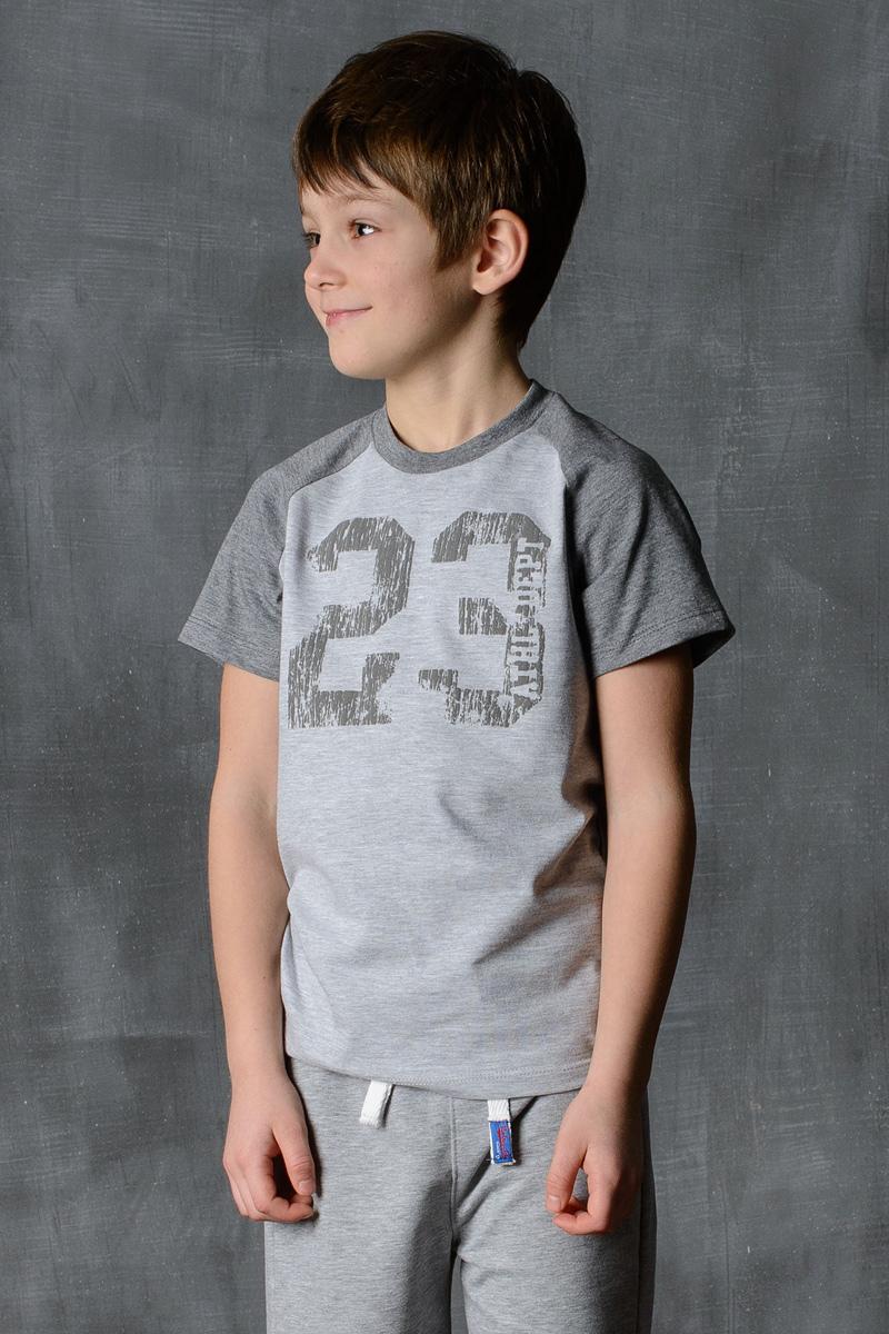 Футболка для мальчика Modniy Juk, цвет: светло-серый, темно-серый. 01B00040100. Размер 134/14001B00040100/23/Стильная футболка для мальчика Modniy Juk изготовлена из высококачественного плотного трикотажа, она приятна на ощупь, не раздражает нежную и чувствительную кожу ребенка, позволяя ей дышать. Модель имеет короткий рукав покроя реглан, круглый ворот, полуприлегающий силуэт, не стесняет движения. Изделие дополнено ярким принтом в стиле Modniy Juk.