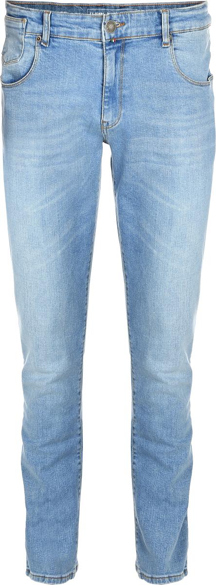 Джинсы мужские F5, цвет: голубой. 14440_09618. Размер 38-34 (52/54-34)14440_09618, Blue denim V-008 str., w.lightМужские джинсы F5 выполнены из хлопка с небольшим добавлением эластана. Модель на поясе застегивается на металлическую пуговицу и имеет ширинку на молнии, а также шлевки для ремня. Спереди расположены два внутренних кармана со скошенными краями и один накладной кармашек, а сзади - два накладных кармана. Изделие оформлено небольшой нашивкой с названием бренда.