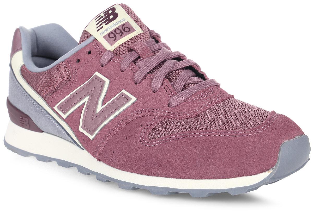 Кроссовки женские New Balance 996, цвет: бордовый, серый. WR996WSC/D. Размер 7,5 (38)WR996WSC/DСтильные женские кроссовки от New Balance придутся вам по душе. Верх модели выполнен из нейлона и натуральной замши. По бокам обувь оформлена декоративными элементами в виде фирменного логотипа бренда, на язычке - фирменной нашивкой. Классическая шнуровка надежно зафиксирует изделие на ноге. Подкладка и стелька, изготовленные из текстиля, гарантируют уют и предотвращают натирание. Подошва оснащена рифлением для лучшей сцепки с поверхностями. Удобные кроссовки займут достойное место среди коллекции вашей обуви.