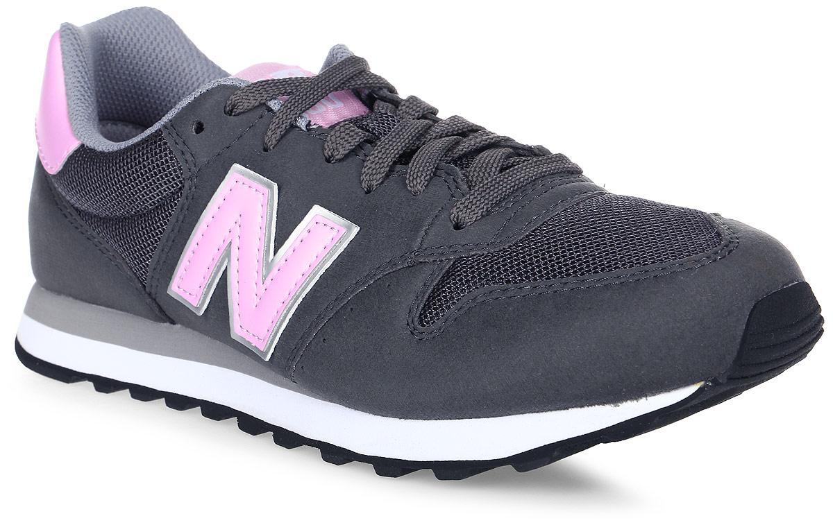 Кроссовки женские New Balance 500, цвет: серый, розовый. GW500GSP/B. Размер 5,5 (36)GW500GSP/BСтильные женские кроссовки от New Balance придутся вам по душе. Верх модели выполнен из высококачественных материалов. По бокам обувь оформлена декоративными элементами в виде фирменного логотипа бренда, на язычке - фирменной нашивкой. Классическая шнуровка надежно зафиксирует изделие на ноге. Мягкая верхняя часть и подкладка, изготовленная из текстиля, гарантируют уют и предотвращают натирание. Стелька из текстиля обеспечивает комфорт. Подошва оснащена рифлением для лучшей сцепки с поверхностями. Удобные кроссовки займут достойное место среди коллекции вашей обуви.