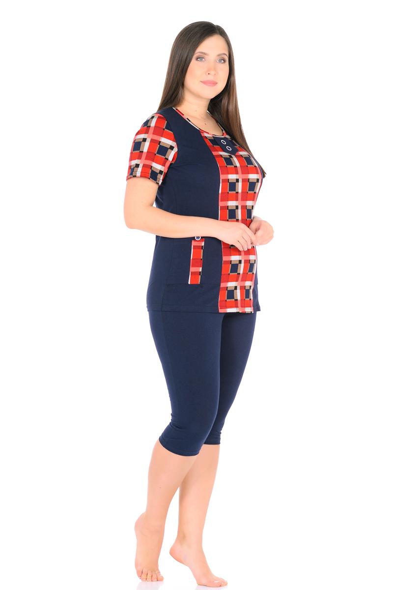 Домашний комплект женский HomeLike: футболка, бриджи, цвет: темно-синий, красный. 878. Размер 58878Комплект домашней одежды HomeLike, состоящий из футболки и бридж, выполнен из трикотажного полотна. Футболка прямого покроя в комбинированной расцветке, с короткими рукавами, с округлым вырезом горловины, в рельефах практичные накладные карманы с декором пуговицами, вырез оформлен декоративной планкой с двумя пуговицами. Бриджи прямого покроя, ниже колена, с поясом на резинке. Сочетая комфортные характеристики в носке и современный дизайн, данный комплект удобен в качестве одежды для дома и дачи, а так же подойдет и для летних прогулок или отдыха на природе.