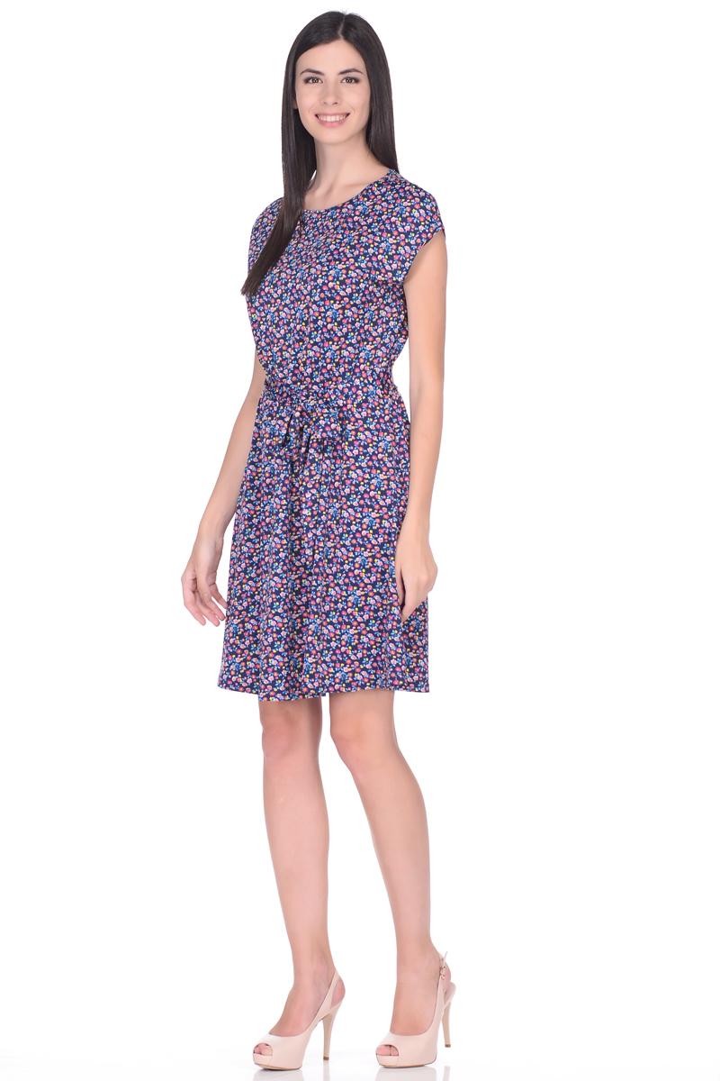 Платье жен EseMos, цвет: темно-синий, голубой, желтый. 113. Размер 42113Легкое платье, изготовленное из приятного струящегося материала в привлекательной расцветке. Женственный силуэт без рукавов, изящно присобран по талии на мягкую резиночку, образуя плавные ниспадающие складочки по юбке мини. Талию подчеркивает пояс завязка, придает изюминку, делая образ совершенным. Модель превосходно садится по фигуре, скрывая возможные несовершенства, подчеркивает достоинства, дарит ощущения легкости и комфорта.