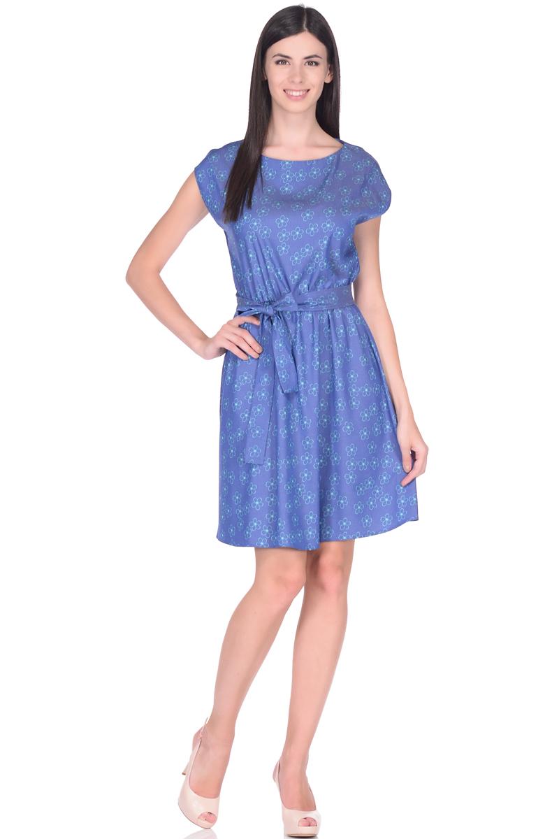 Платье жен EseMos, цвет: синий, бирюзовый. 113/2. Размер 48113/2Платье летнее из хлопковой ткани в привлекательной расцветке. Женственный силуэт без рукавов, изящно присобран по талии на мягкую резиночку, образуя плавные ниспадающие складочки по юбке. Талию подчеркивает пояс завязка, придает изюминку. Модель превосходно садится по фигуре, скрывая возможные несовершенства, подчеркивает достоинства, дарит ощущения легкости и комфорта.