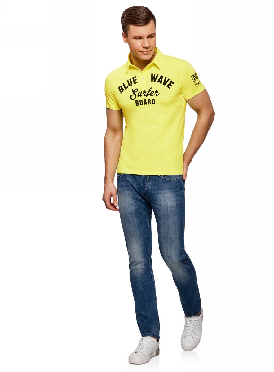 Поло муж oodji Lab, цвет: желтый, темно-синий. 5L412261M/34149N/5279P. Размер L (52/54)5L412261M/34149N/5279PПоло с надписью и нашивкой на рукаве