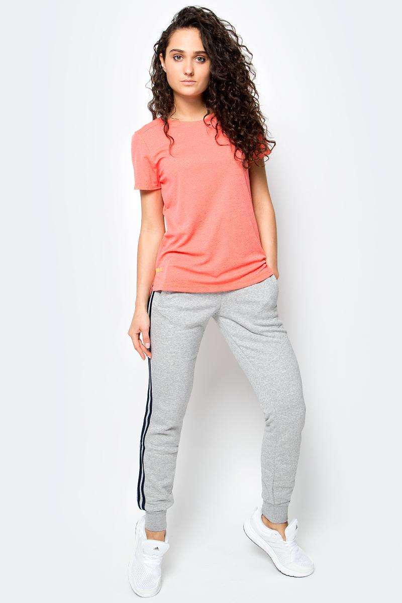 Футболка женская Adidas, цвет: персиковый. BP6713. Размер S (42/44)BP6713Серьезные тренировки требуют лучшего комфорта. Данная модель имеет технологию ClimaChill, которая отводит тепло и сохраняет прохладу даже при сильных нагрузках.