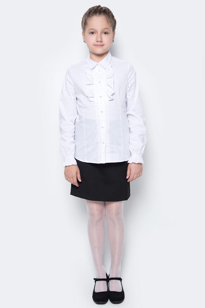 Блузка для девочки Button Blue, цвет: белый. 217BBGS22020200. Размер 134, 9 лет217BBGS22020200Блузки для школы купить не сложно, но выбрать модель, сочетающую прекрасный состав, элегантный дизайн, привлекательную цену, не так уж и легко. Школьная блузка с жабо понадобится 1 сентября как никогда, придав образу торжественность и элегантность. Блузка изготовлена из качественной смесовой ткани. Модель с длинными рукавами и отложным воротником застегивается на пуговицы.