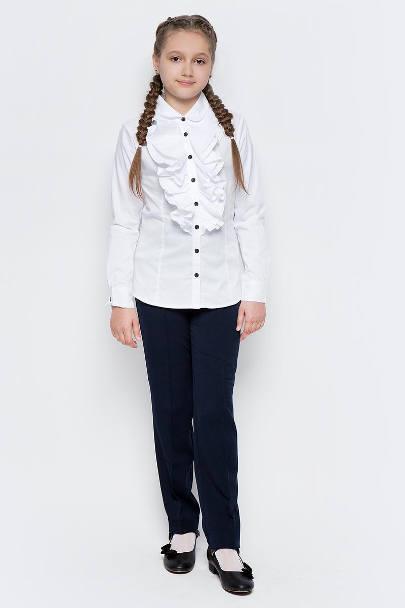 Блузка для девочки Gulliver, цвет: белый. 217GSGC2203. Размер 164217GSGC2203Какими должны быть красивые блузки для девочек: блузка с жабо, с бантом, с рюшей или лаконичный строгий вариант без яркой отделки? Школьные блузки могут быть разными! Блузка от Gulliver хороша и для каждого дня, и для торжественных школьных мероприятий. Прекрасная ткань, красивая форма, элегантное оформление крупными пышными рюшами делают блузку интересной и привлекательной. Купить детскую блузку стоит в преддверии учебного года, ведь 1 сентября эта модель понадобится как никогда. Она подчеркнет торжественность момента, сделав образ школьницы нарядным, элегантным, изысканным.