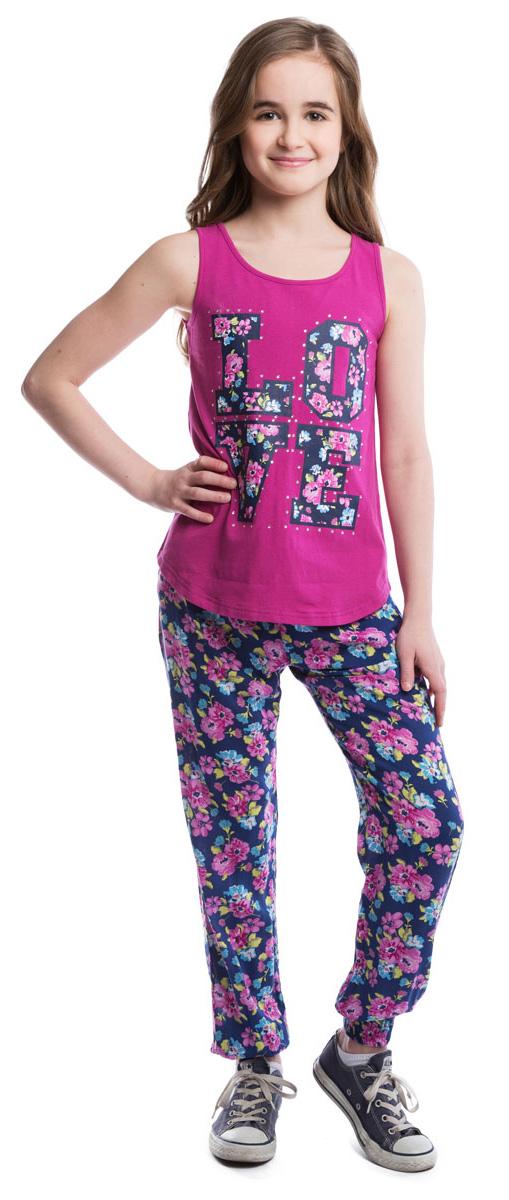 Брюки для девочки Scool, цвет: синий, розовый. 264004. Размер 152264004Легкие и воздушные брюки из вискозы в стиле принцессы Жасмин со стильным цветочным принтом. На талии изделие дополнено вшитой широкой резинкой и затягивающимся шнурком, имеются два глубоких втачных кармана. Низ брючин оформлен вшитой резинкой.
