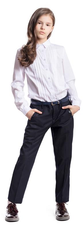 Брюки для девочки Scool, цвет: темно-синий. 374436. Размер 146, 11 лет374436Стильные брюки для девочки Scool изготовлены из полиэстера и вискозы. При конструировании этой модели учитывались все детские физиологические особенности.Брюки со стрелками застегиваются спереди на пуговицу, а также имеют ширинку на застежке-молнии. На поясе предусмотрены шлевки для ремня. Регулировка в поясе на эластичной тесьме с пуговицами обеспечит идеальную посадку по фигуре. Спереди расположены два втачных кармана на пуговицах.