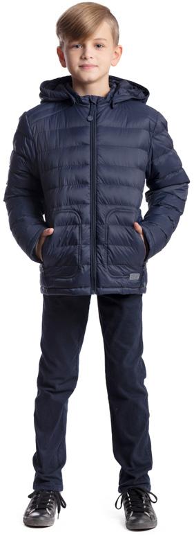 Куртка для мальчика Scool, цвет: темно-синий. 373404. Размер 158, 13 лет373404Практичная утепленная куртка Scool изготовлена из ткани со специальной водоотталкивающей пропиткой. Куртка с капюшоном застегивается на молнию с защитой подбородка. Капюшон дополнен по краю резинкой, пристегивается к куртке с помощью кнопок. Спереди расположены два кармана на молнии. Светоотражающие элементы на рукаве и по низу изделия обеспечат безопасность ребенка в темное время суток.