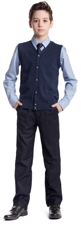 Рубашка для мальчика Scool, цвет: голубой, черный. 373436. Размер 128, 8 лет373436Рубашка для мальчика Scool изготовлена из хлопка и полиэстера. Лекало этой модели полностью повторяет лекало модели для взрослого мужчины. Рубашка с отложным воротником и длинными рукавами застегивается на пуговицы. На груди расположен накладной карман. На рукавах предусмотрены манжеты с застежками-пуговицами. Модель хорошо сочетается с костюмом в деловом стиле и джинсами.