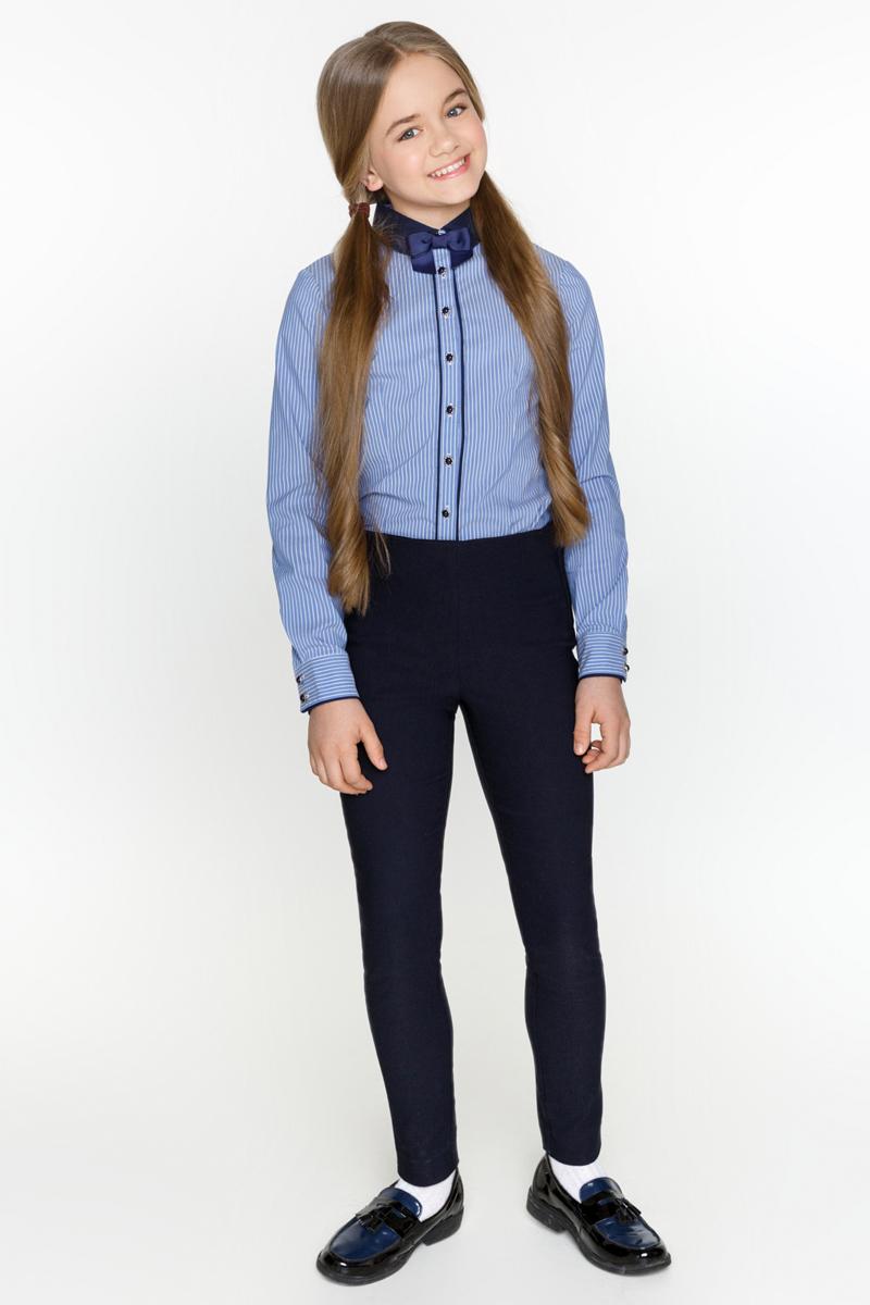 Блузка для девочек Acoola Teta, цвет: синий. 20200260006_500. Размер 13420200260006_500Классическая блузка из хлопкового поплина в полоску, декорированная контрастным отложным воротником со съемным бантиком. Модель приталенного силуэта с длинными рукавами с манжетами на пуговицах и планкой с застежкой на пуговицы спереди.