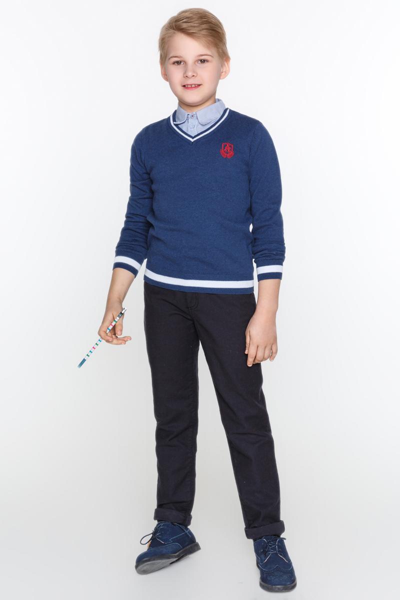 Джемпер для мальчиков Acoola Mini, цвет: синий. 20100310008_500. Размер 15820100310008_500Классический джемпер из вязаного трикотажа, декорированный небольшой яркой вышивкой и отстегивающейся хлопковой манишкой в виде рубашки. Модель с V-образным вырезом горловины, резинками на манжетах и по низу изделия.
